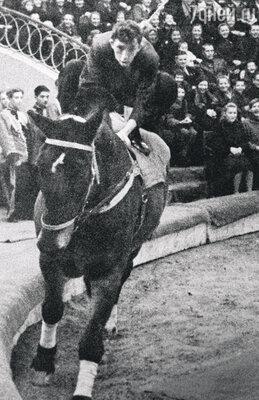 Одно из первых выступлений Никулина в цирке наЦветном бульваре