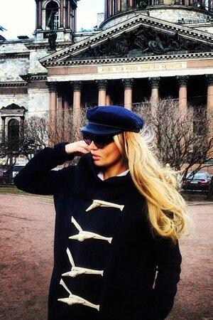 Алена Водонаева в пальто Rick Owens