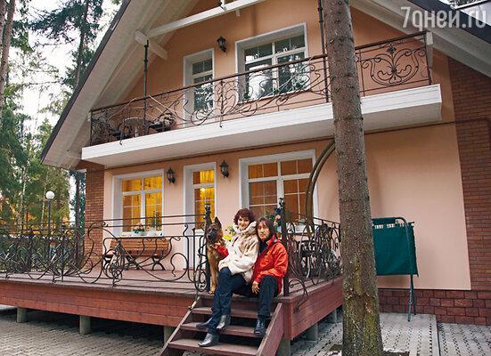 С женой актрисой Мариной Есипенко