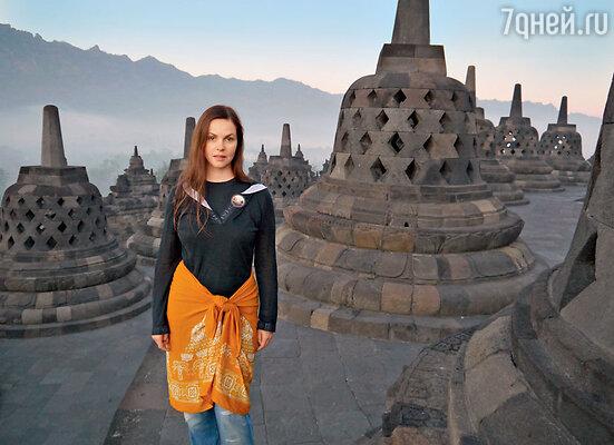 «Если бы я составляла новый список чудес света, я бы поставила буддистский храм Боробудур на острове Ява сразу после египетских пирамид в Гизе»