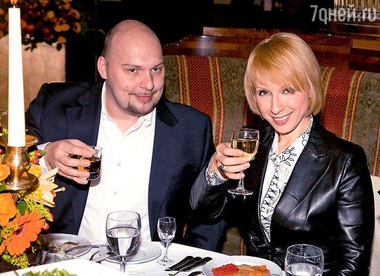 Яна Чурикова с мужем Денисом Лазаревым