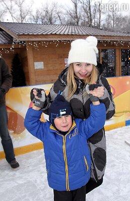 Анна Котт с сыном Мишей