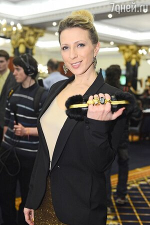 Яна Чурикова на премии «World Fashion Luxury Awards», состоявшейся в 2012 году