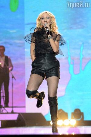 Кристина Орбакайте на юбилейном концерте Аркадия Укупника. 2013 год