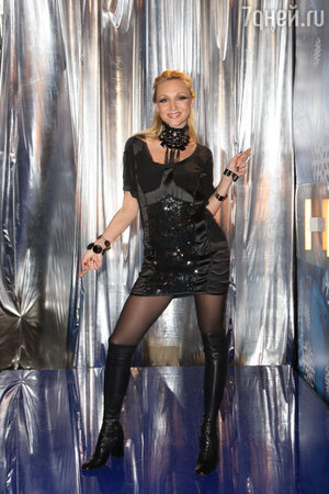 Кристина Орбакайте на концерте «Песня года» 2009 год