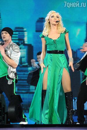 Кристина Орбакайте на сольном концерте в Москве 2011 год