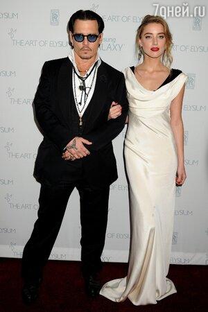 Джонни Депп и Эмбер Херд сыграли тайную свадьбу в Лос-Анджелесе