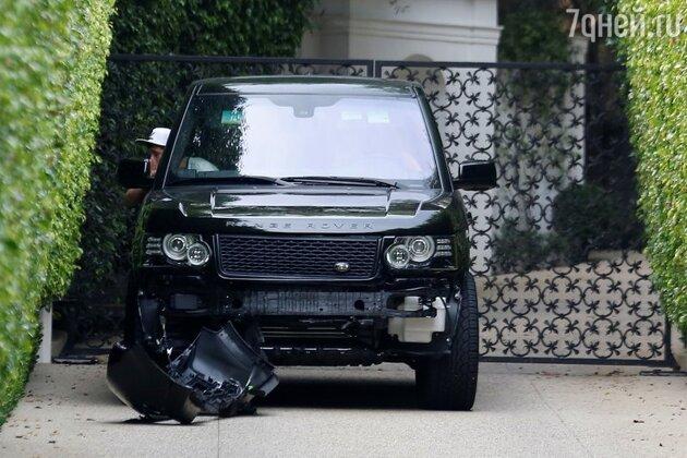 Автомобиль Дэвида Бекхэма после аварии
