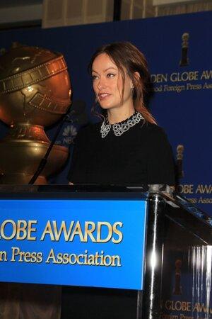 Оливия Уайльд объявляет номинантов премии «Золотой глобус»