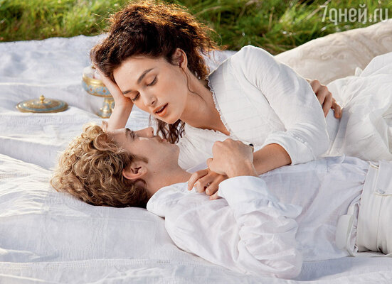 ...и молодым британским актером Аароном Тэйлором-Джонсоном в образе Вронского в новом фильме «Анна Каренина»