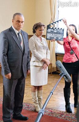 Георгий Жуков (Александр Балуев) и его первая жена Александра Диевна (Елена Яковлева)