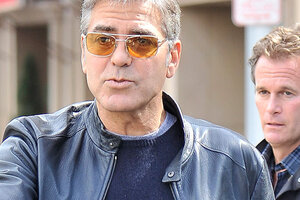 Джордж Клуни готовится к контакту с пришельцами
