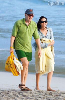 Стив и его нынешняя жена Анна чаще всего отдыхают на Карибском острове Сен-Бартельми. Январь 2008 г.
