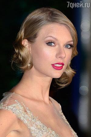 ������ ����� (Taylor Swift) �� ����������������� ������ Winter Whites Gala