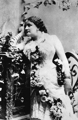 Вторая жена — певица Ангелика Диттрих...