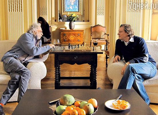Пьер Ришар и Юрий Васильев обсуждают очередной эпизод