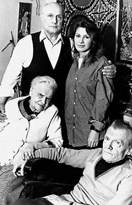 Саша с мамой Галиной Александровной, отчимом Михаилом Николаевичем и Ирой