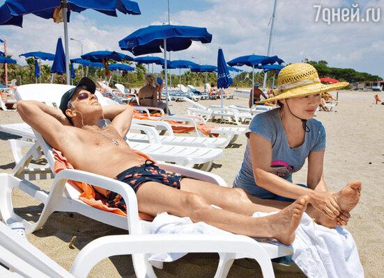 Сеанс китайского массажа прямо на пляже