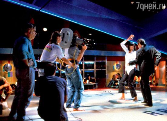 Блестящий танцор Траволта стал наставником Турман насъемочной площадке