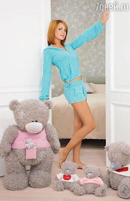 Вход в спальню Марины охраняет семейство меланхоличных медведей