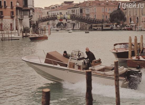 Кадр из фильма «Ограбление по-итальянски». 2003 год