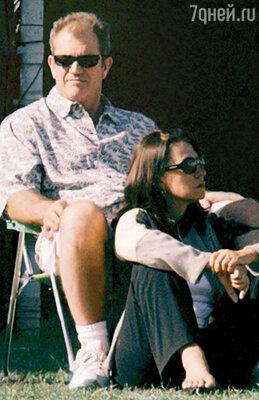 Мэл Гибсон с женой Робин