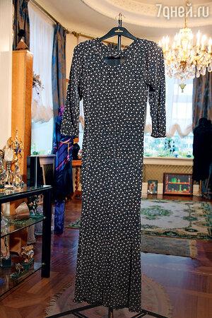 Платье, сшитое Людмилой Гурченко из двух детских платьев. В квартире Людмилы Марковны
