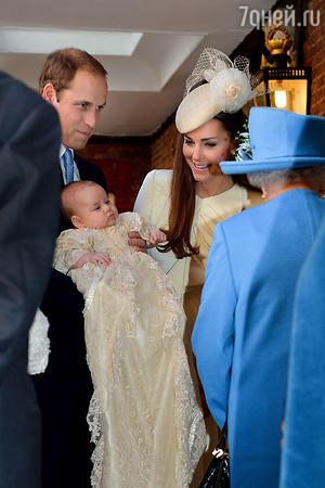 Принц Уильям и Кейт Миддлтон (Герцог и герцогиня Кембриджские) с сыном принцем Джорджем