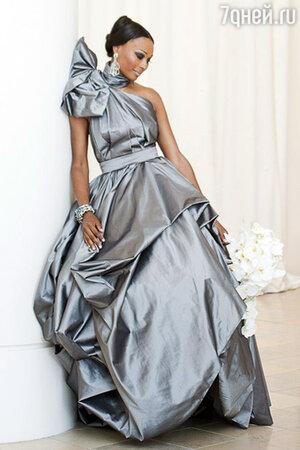 Синтия Бэйли в платье от Rubin Singer