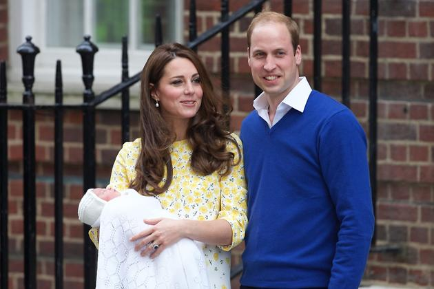 Кейт Миддлтон и принц Уильям с дочкой Шарлоттой