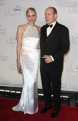 Князь Монако Альбер II с супругой Шарлен