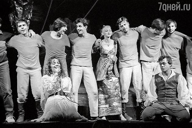 Алена Хмельницкая в спектакле «Ленкома» «Юнона и Авось», 1992 год