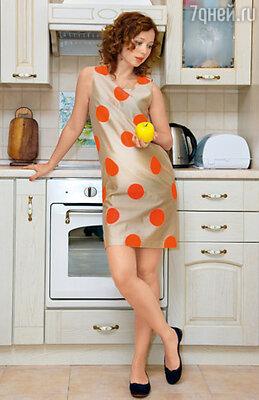 «Примерив в магазине для беременных платья, решила, такое — не надену никогда!». На Елене балетки Celine