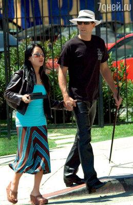 Про брак Николаса Кейджа с официанткой говорили: «Голливудская звезда подцепила очередную простушку»