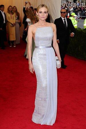 Диана Крюгер в платье от Hugo Boss