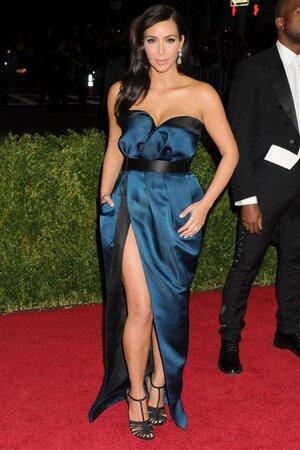 Ким Кардашьян в наряде от Lanvin