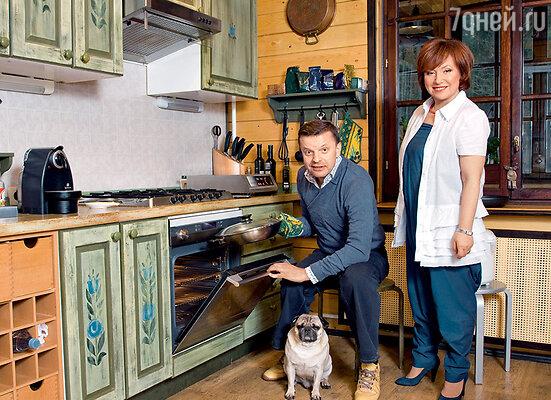 Для Леонида Парфенова и Елены Чекаловой кухня — любимое место в доме