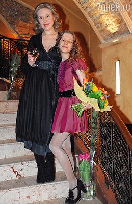 Лиза с мамой Юлией