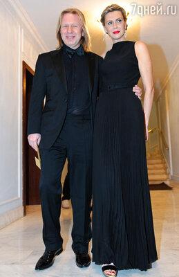 Виктор Дробыш с супругой