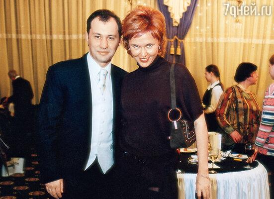 С первым мужем тележурналистом Ильей Копелевичем