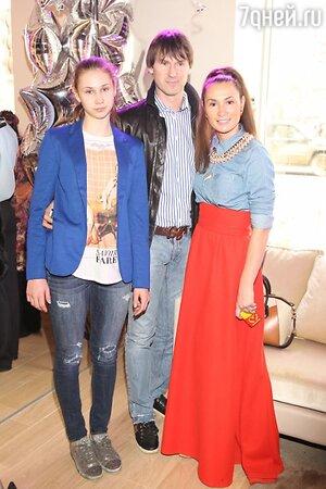 Анна, Егор и Вероника Титовы