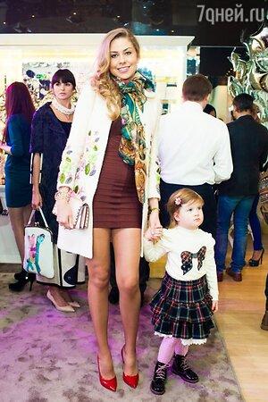Кристина Колганова с дочерью