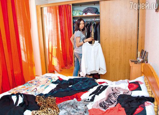 Юбкам и платьям Надежда Ручка всегда предпочитала брюки, джинсы, футболки и рубашки