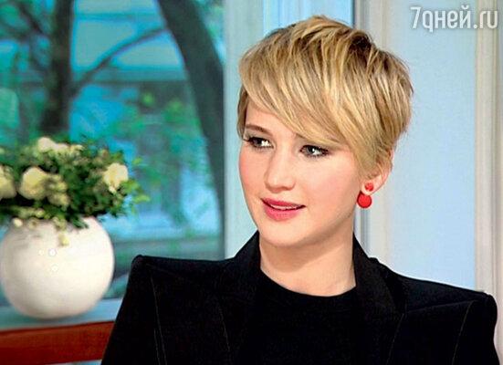 «Я решила обрезать волосы. Лучше буду парик носить, когда нужно». 2013 г.