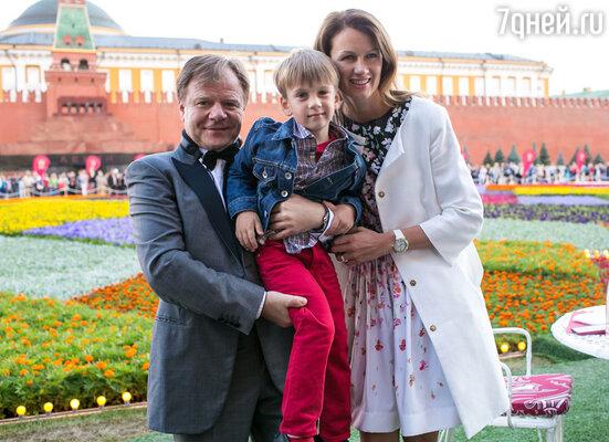 Игорь Бутман с семьей