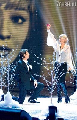 Татьяна Веденеева согласилась стать певицей только из любви к Валерию Сюткину. Симпатия оказалась взаимной!