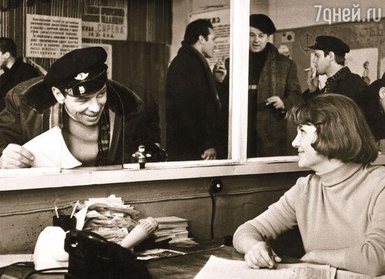 С георгием Жженовым в фильме «Ошибка резидента», 1968 год