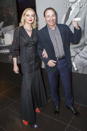 Максим Дунаевский с супругой