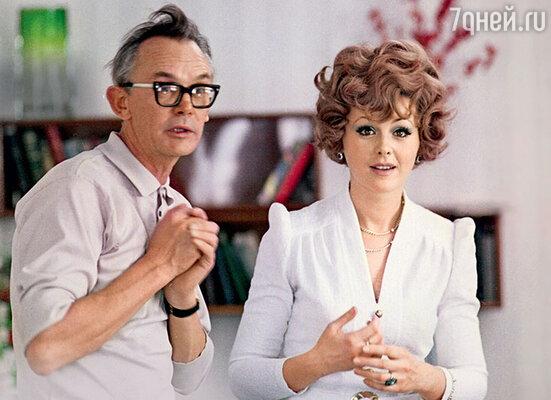 «Наташа Селезнева, прославившаяся в фильмах моего мужа, часто говорит: «У каждой актрисы должен быть свой Гайдай». Но понравиться ему было очень трудно»
