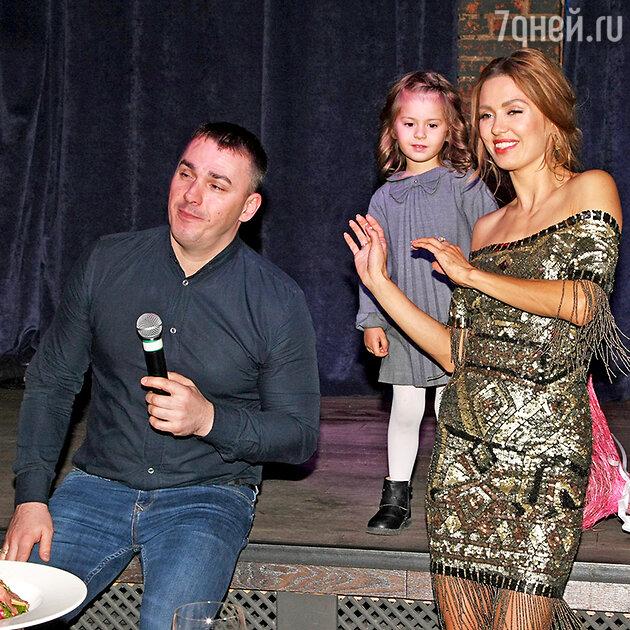 Виктория Боня с дочкой Анджелиной, Кирилл Андреев